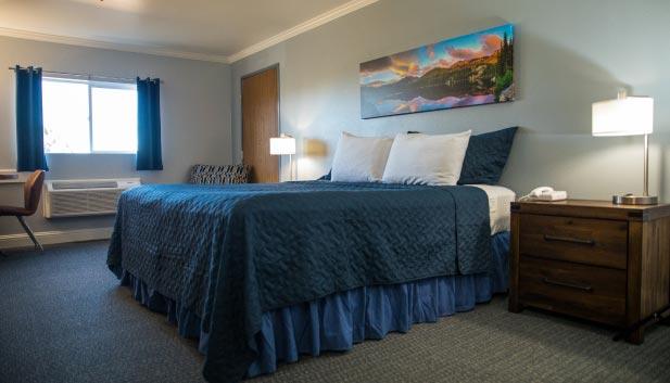 Gold King Mountain Inn Bedroom